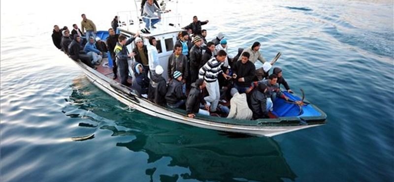 Kétezer bevándorló fulladt idén a Földközi-tengerbe