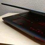 Ki fizetne 800 ezret egy laptopért, ami sokszor csak 60 percig bírja?
