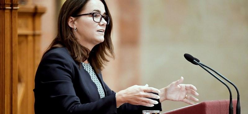 Novák Katalin keményen nekiment Manfred Webernek