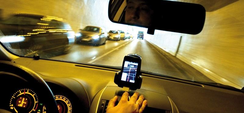 Betiltották az autós navigációt Kaliforniában