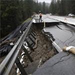 Papírként tépte szét az özönvíz az egyik kaliforniai utat – fotók