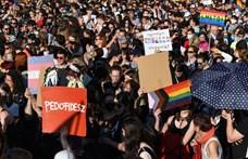 Szerda este újra tüntetés lesz a homofóbtörvény ellen