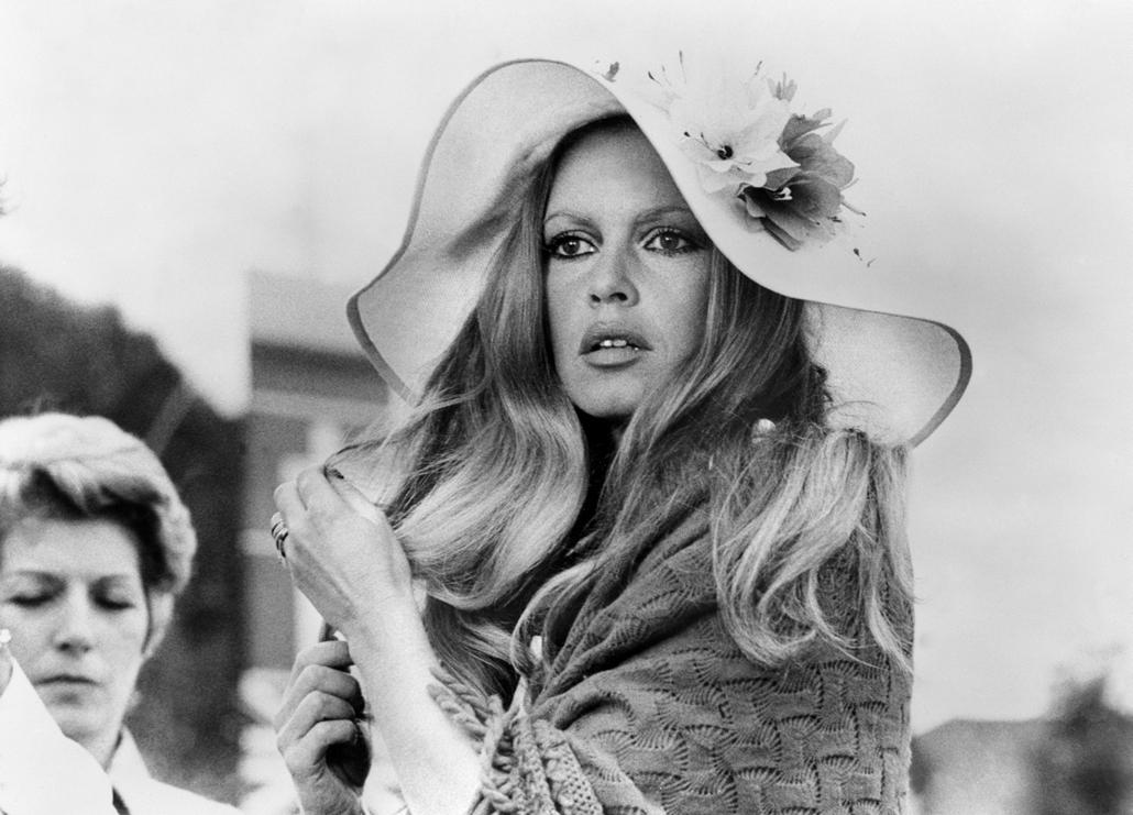 afp.1972.08.04. - Stockholm, Svédország: Brigitte Bardot a ''Don Juan 73'' forgatásán - nagyítás