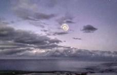 Különös spriál jelent meg az égen a Csendes-óceán felett, a kínaiak okozták