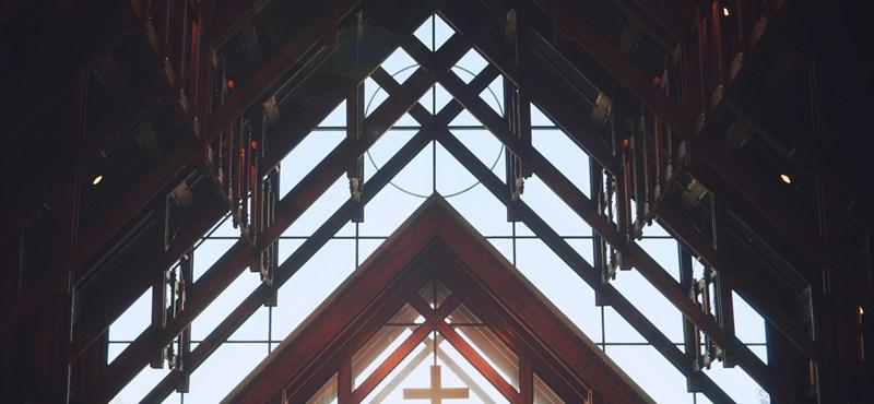 Ha vállalja, hogy a levegőből is megél, akkor bejegyzik egyháznak