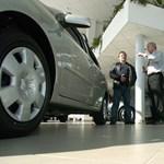 Áprilisban több mint 76 százalékkal zsugorodott az új autók európai piaca