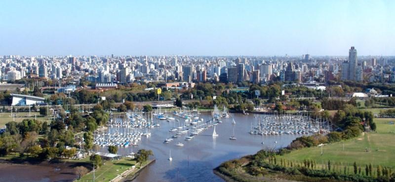 Argentínában országos karantént rendeltek el, Chilében elhalasztják a népszavazást