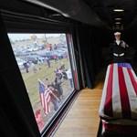 Lánya és felesége mellé temették az idősebb George Bush-t