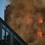 Pokoli torony: durva tűzzel küszködnek a londoni tűzoltók – videó