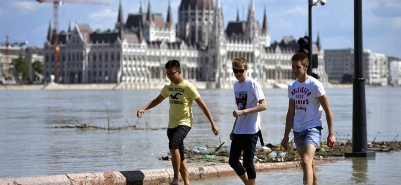 Felfordul szombaton a budapesti közlekedés