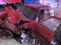 Pillanatokkal az ütközés előtt szedte ki a sofőrt a volán mögül egy rendőr - videó