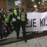 Dékánjuk kirúgása miatt tüntetnek a GTK hallgatói a Műegyetemen - Élő