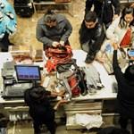 200 ezer panaszkönyvet dobhatnak ki a boltosok