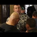 Nyomozást indítottak a kopaszbalhé ügyében