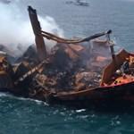 Környezeti katasztrófától tartanak, miután süllyedni kezdett egy veszélyes vegyi anyagokat szállító hajó Srí Lankán