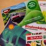 Odavan a magyar a pontgyűjtő kártyákért - a boltok még inkább