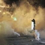 """Kődobálás és könnygáz az athéni diáklázadás """"emlékére"""""""
