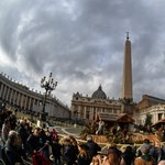 A Vatikán a szegényeknek szánt pénzt is magára költi