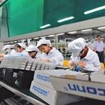 Negyedével emelik a dolgozók fizetését a kínai Apple gyárban