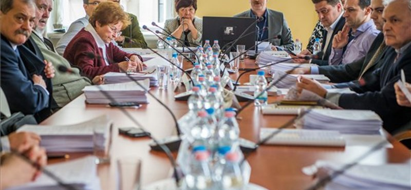 Elkaszálta az NVB az MSZP népszavazását a kórházi VIP-ellátásokról