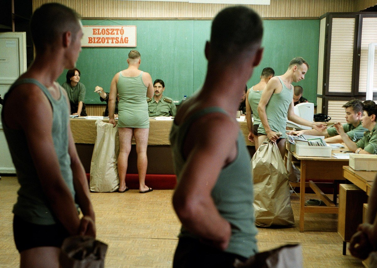 Hende Csaba azt üzente, elfogyott a regimentje - Nagyítás-fotógaléria