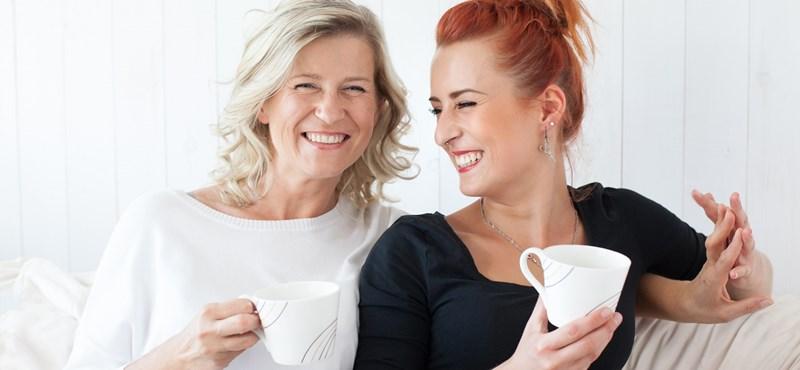 Ütköztettük a generációkat: mit tanácsol egymásnak anya és lánya?