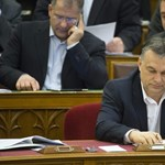Orbán egymondatos válaszokkal rázta le az ellenzéket