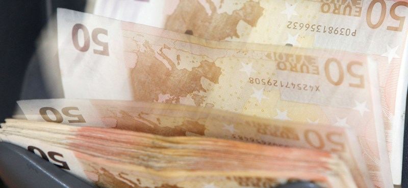 Minden magyarnak van 2,1 milliós megtakarítása! Tényleg? És hol lehet átvenni?