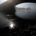 Apad a Duna, leállíthatják a kereskedelmi hajókat