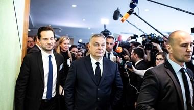 Nyílt seb, hatalmas kudarc, Orbán blöffjátékának vége – ellenzéki értéklések a Fideszről szóló néppárti döntés után