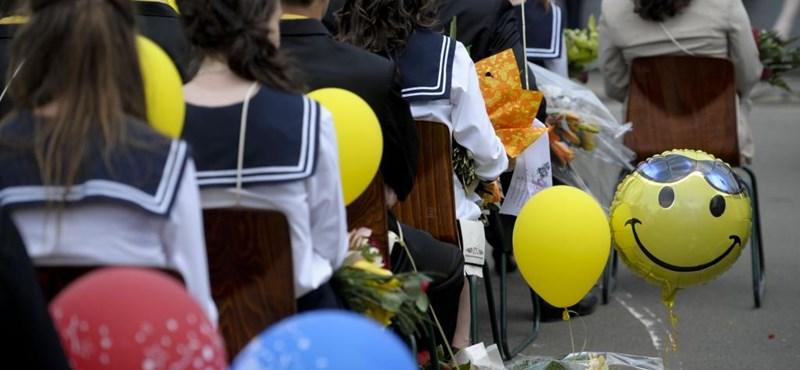 7000 diákot tiltottak ki a ballagásról egy adminisztrációs baki miatt