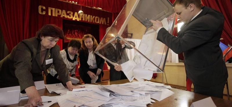 Exit-poll: Putyin nyerte az orosz elnökválasztást