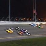 Tüzes tömegkarambollal ért véget a Daytona 500 (videóval)