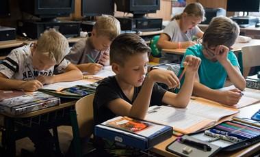 Oktatás: a megoldás vagy a probléma része?