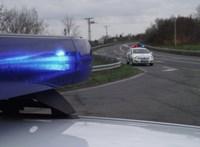 Egymásba rohant egy kisbusz és egy személyautó, nyolcan megsérültek