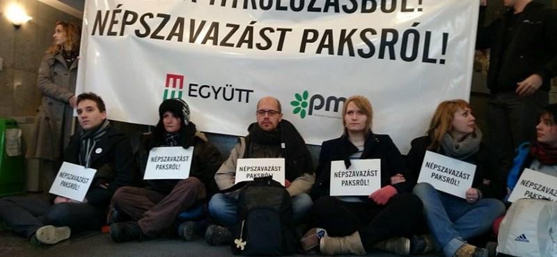 """""""Udvariasak"""" voltak a rendőrök, pénzbüntetést kaptak az Együtt-PM aktivistái"""