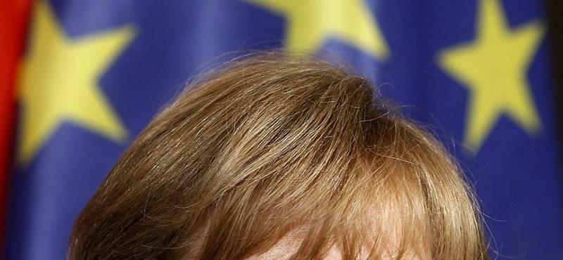 Merkel: megkerülhetetlen az uniós szerződések módosítása