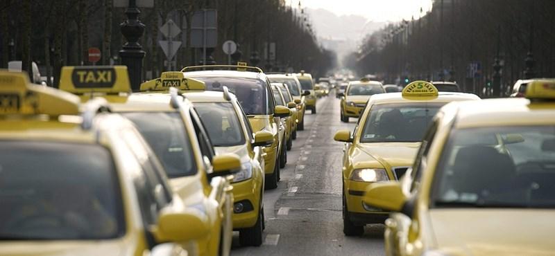 Taxisok vertek meg egy Uber-sofőrt péntek este