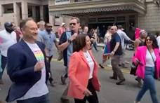 Történelmet írt az amerikai alelnök: ő is vonult a washingtoni Pride-on