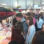 Mától tényleg kiürülnek az iskolák: több tízezer embert várnak az oktatási kiállításra