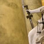 Volt ügyész és pénzügyőrök ellen emeltek vádat vesztegetés miatt