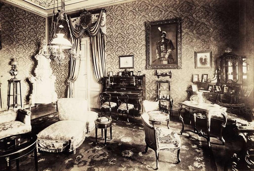 fortep_! - Klösz György kastély nagyítás - A lesencetomaji Hertelendy-kastély nagyszalonja. A felvétel 1895-1899 között készült.