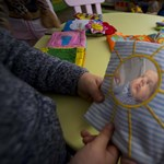 Családvédelem másként: csak mert gyereke van, még ne maradjon ki az iskolából