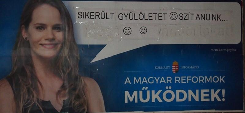 Fotók: Az új kormánypropaganda-plakátokat is sikerült átjavítani