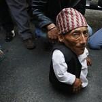 Fotó: 56 centis a világ legalacsonyabb férfija