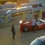 Csak egy fotót akart a 13 éves fiú a Ferrarival, néhány perccel később halálos balesetet szenvedett