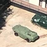 Harci járművek állnak Mészáros Lőrinc bicskei tavánál