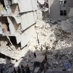 Négy év után sikerült élelmiszersegélyt juttatni egy szétlőtt szíriai városba