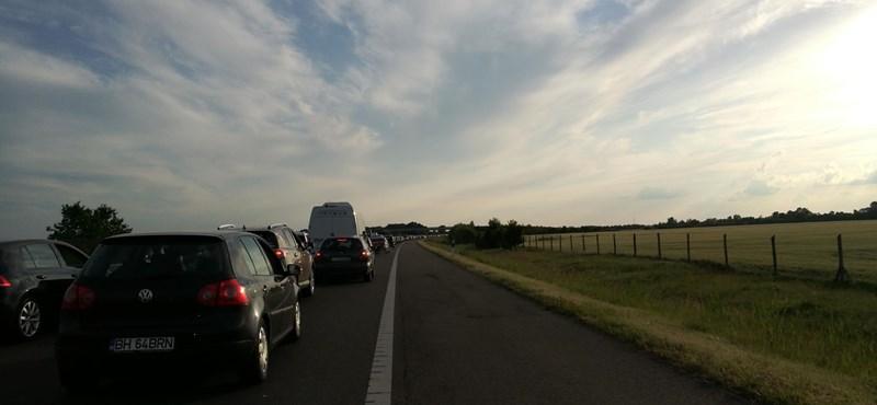 Több kilométeres a dugó, káosz az M3-ason és a 3-ason is