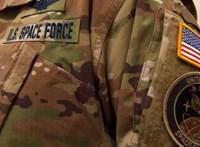 Bemutatták az amerikai űrhaderő egyenruháját, a fél internet ezen nevet